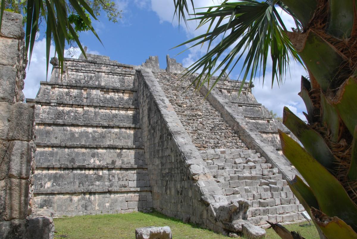 Die kleine Pyramide von Chichen Itza