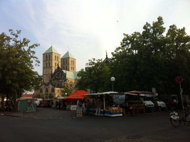 Schon um 6 Uhr öffnet der Münsteraner Wochenmarkt