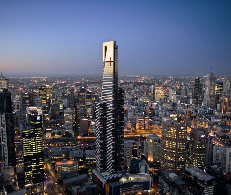 Der Eureka Sky Tower thront über Melbourne